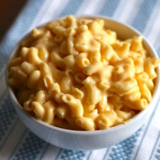 Easy Mac and Cheese from a pressure cooker. Takes only minutes to make. Instant Pot recipe.