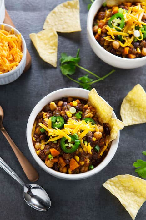 Pressure Cooker Vegetarian Chili Takes Only 15 Minutes to Make!