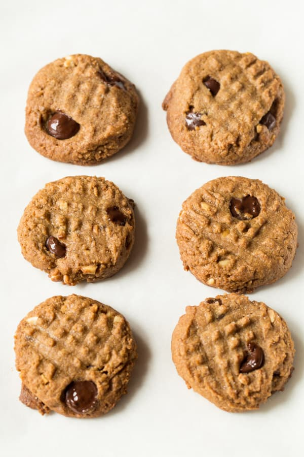 3 Ingredient Peanut Butter Cookies | Brown Sugar and Natural Peanut Butter Makes These Peanut Butter Cookies Delicious and Easy-to-Make