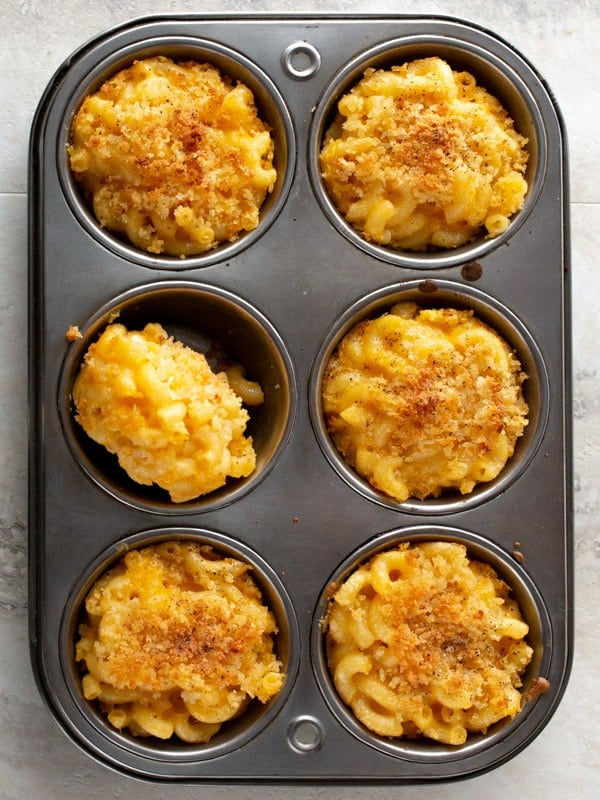 Baked Mac and Cheese Cupcake in Muffin Pan